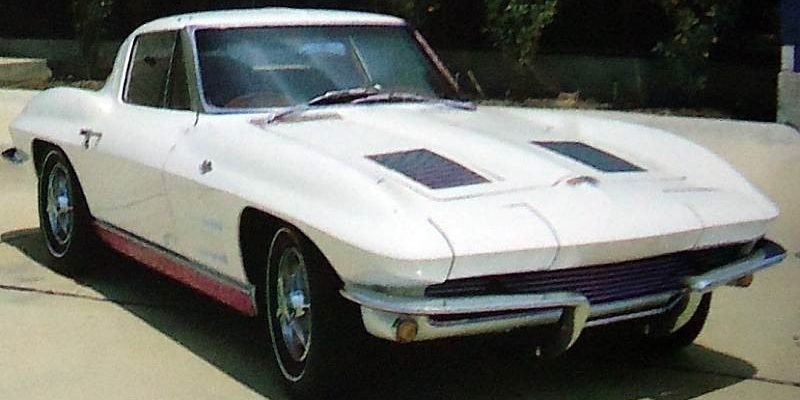 chevrolet-corvette-sting-ray-1963